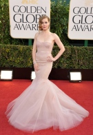Amy rocks the mermaid cut in blush toned gown.